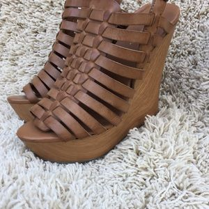 Mossimo supply co wedge sandals size 7